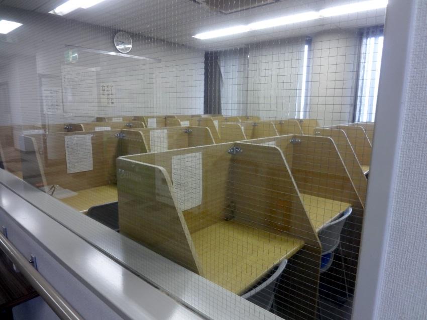 自習室は静かで勉強が捗る